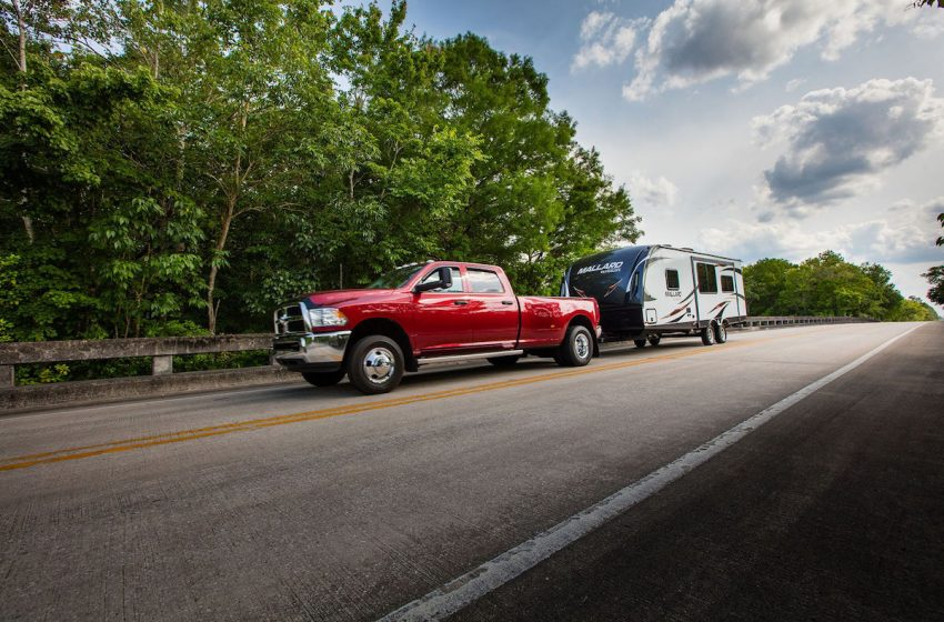 Few Tips You Should Know While Transporting A Trailer